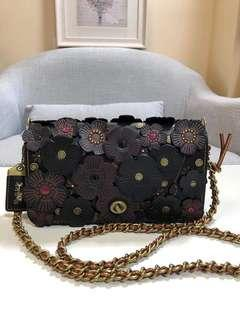 AUTHENTIC COACH DINKY WITH TEA ROSE (CO)