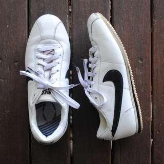 Vintage Nike Cortez Size 8.5