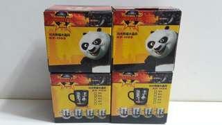 2011年 夢工場 KUNG FU PANDA 2 功夫熊貓2 3吋半高 瓷及玻璃水晶杯 黑 黃 綠 藍色4款 100元全部