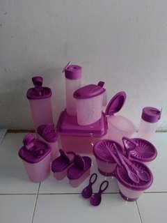 Tupperware paket ungu