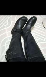 Hush Puppy Lamb Skin Black Boots