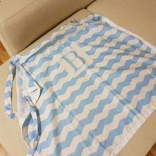 Nursing cover in blue and white stripes