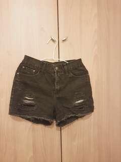 黑色刷破高腰短褲
