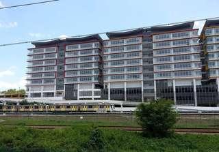 Maju Linq shop lot for rent