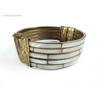 Vintage 1970s MOP Shell Brass Hinged Bracelet, br141
