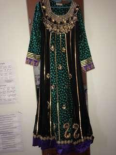 (Rent) Dress KASHKHA jubah