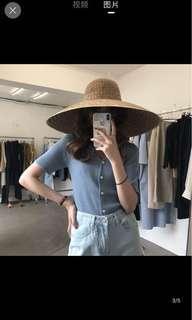 🚚 韓系百搭V領針織排釦上衣 最小的海 elinasea 淘寶#十月女裝半價