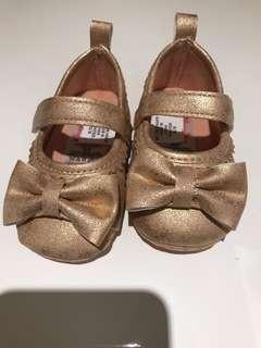 美國直送 金粉紅BB學行鞋 內長10cm 6-10M比較合