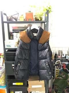 Forever 21 puffed sleeveless jacket
