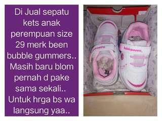 Sepatu kets bubble gummers