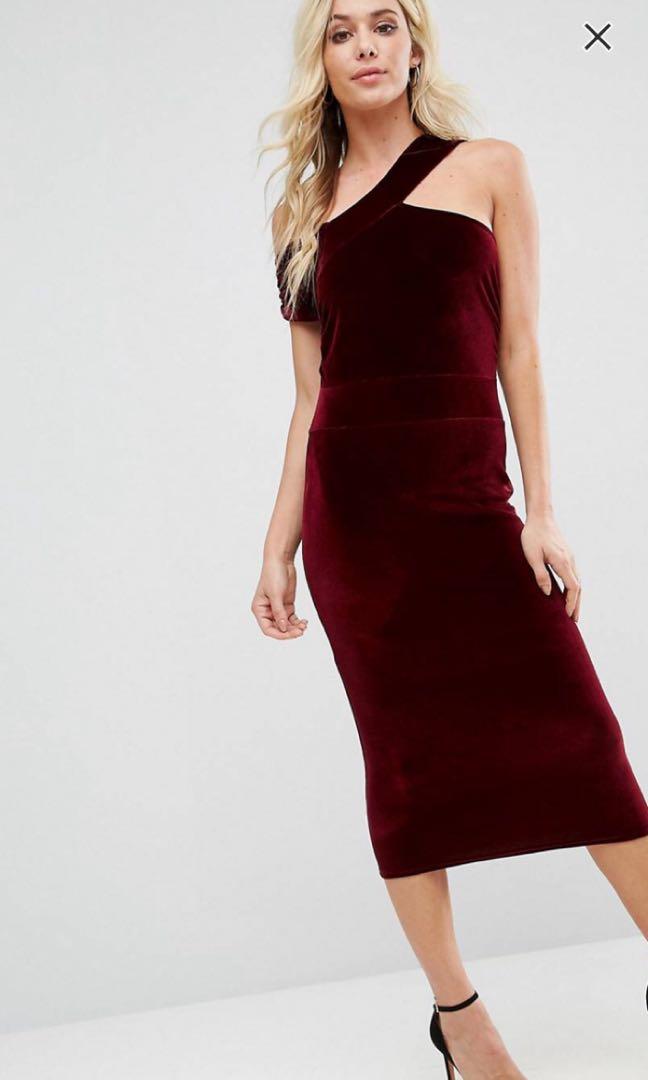 b3f24e35de Asos Boohoo velvet cut out detail pencil dress, Women's Fashion, Clothes,  Dresses & Skirts on Carousell