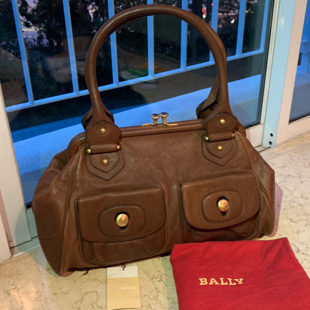 Bally vintage kiss lock turn lock shoulder bag in brown, Women s ... e85fdce0ec