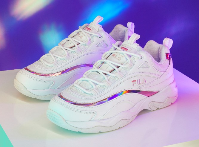 fila ray sneakers holographic pink