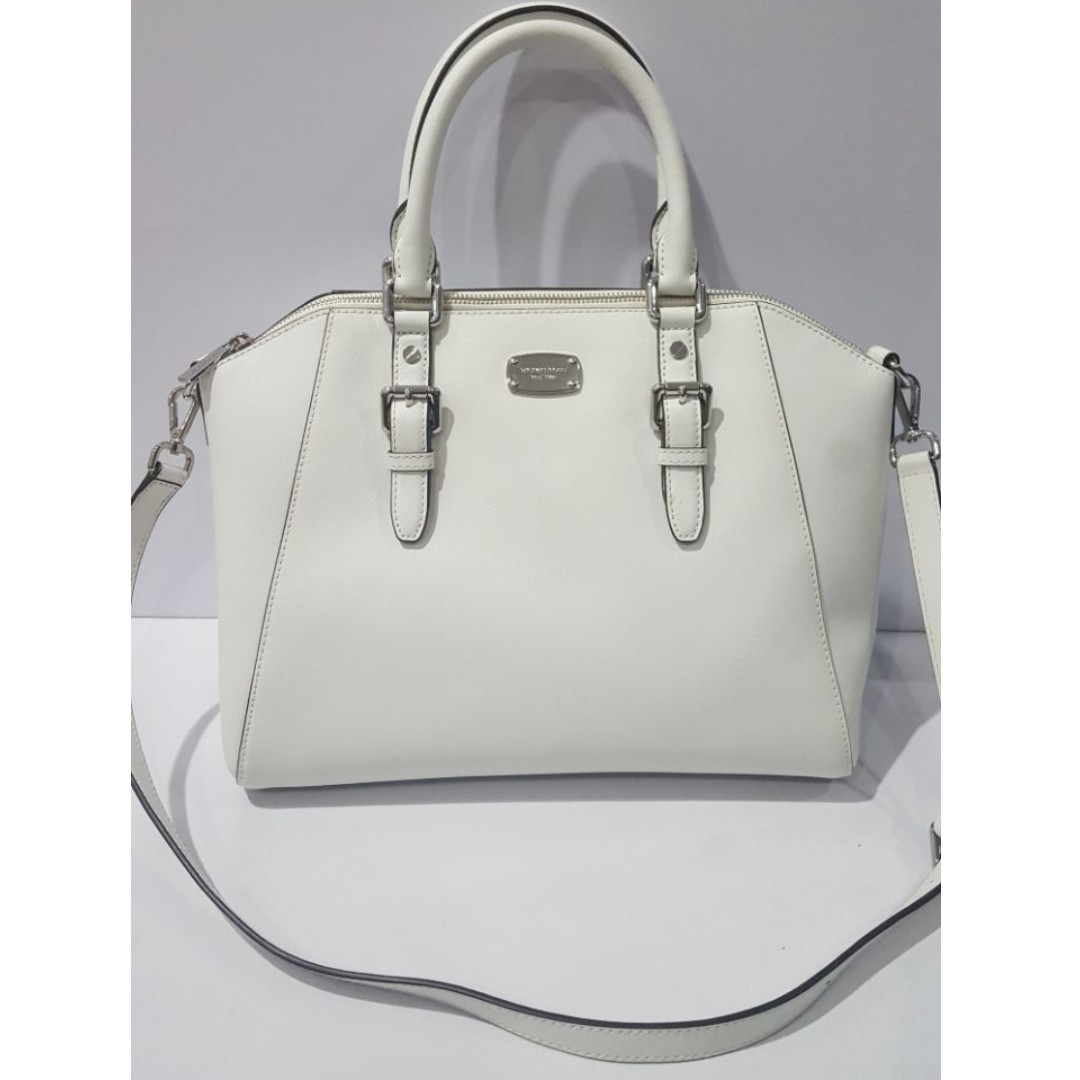 f2473657e43 Michael Kors Large Bag