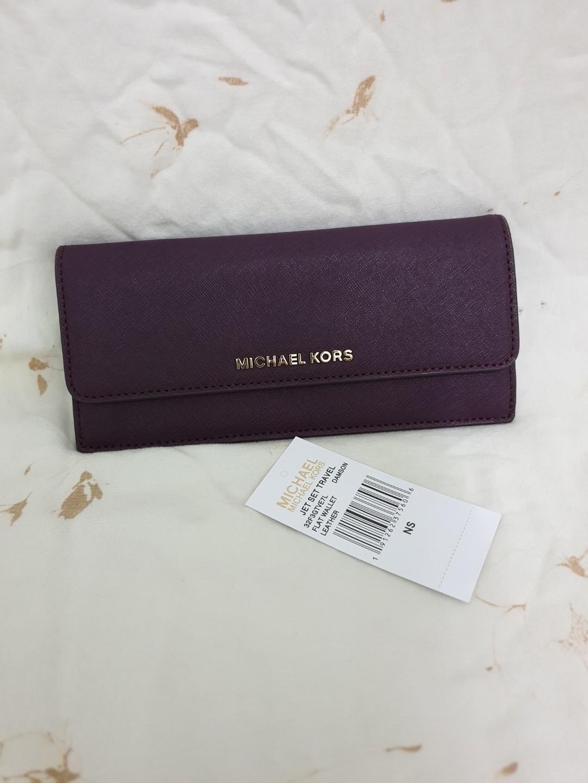 45538984ec9f24 MK Slim Wallet, Women's Fashion, Bags & Wallets on Carousell