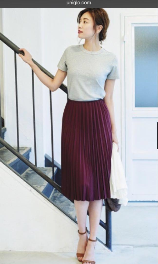 0ff11ba46b09ea Uniqlo Burgundy Pleated Skirt, Women's Fashion, Clothes, Dresses ...