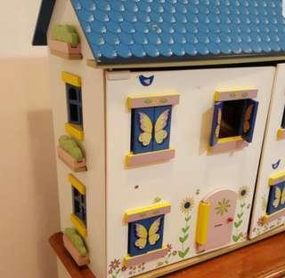 Doll House from New Zealand
