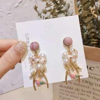 (Free pos 3 pairs & above) Korean design pink bird with pearl earrings