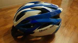 9/10 Bicycle Helmet for sell