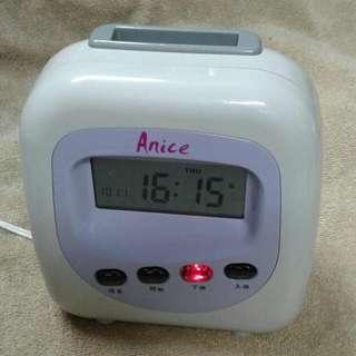 Anice 4欄位打卡鐘