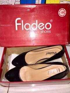 Fladeo black heels