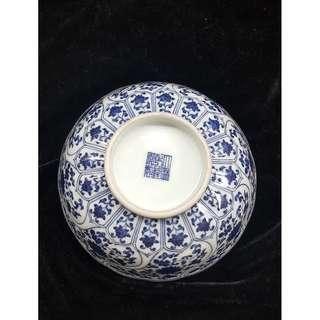 乾隆青花葵口纒枝蓮紋碗-直径180+高75