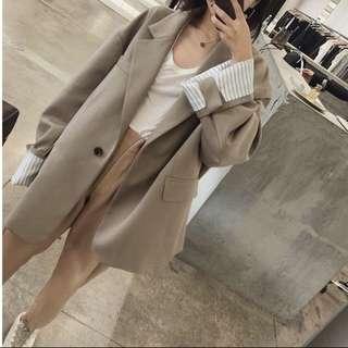 Oversized apricot/Caramel suit coat