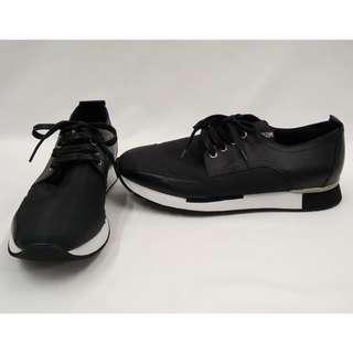 LOVE MOSCHINO Sneakers Black義大利精品休閒鞋全新品男款43號義大利品牌潮男型男穿不退流行經典不敗單品