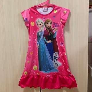 🚚 女童冰雪奇緣連身裙 尺寸M 約5-6歲適穿 桃紅色 Disney Frozen