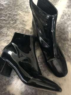 Boots glassons