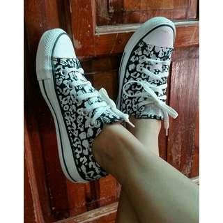Original CONVERSE All Star Black & White