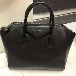 Givenchy Antigona Medium Grained Calf Leather in Black (With Strap)