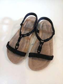 Comfortable Padded T Strap Sandals