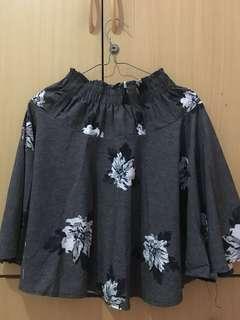 Flowers skirt grey