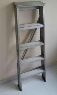 Ladder for rental. $6 per day. Additional day $3 per day. I do not require deposit as I trust most carousellers will treat it well. If need transport for ladder, we can discuss. (: