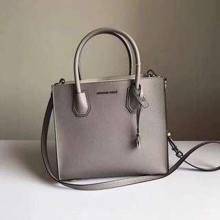 AUTHENTIC MICHAEL KORS JETSET IN GENUINE LEATHER SHOULDER BAG WITH LONG STRAP