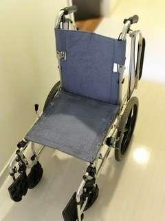 Wheelchair compact