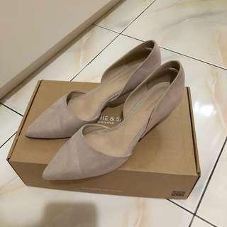 🚚 七成新 SOPHIE&SAM 歐美風時尚尖頭低跟鞋 36號