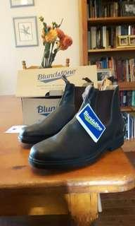 NEVER WORN 100$ OFF Blundstone Boots