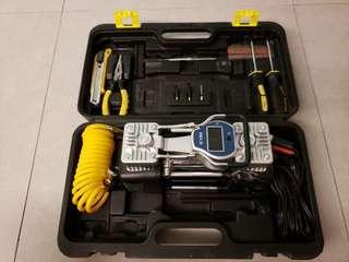 電子顯示雙氣缸汽車充氣揼+補胎工具套裝