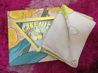 Cakenis Mothcake Shawl yellow