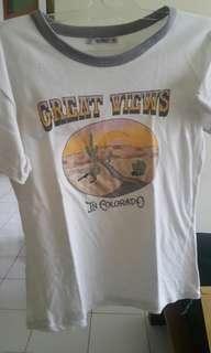 Kaos Cream Great View dari Pull & Bera