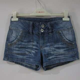(28) Mudd Ladies soft stretch denim shorts