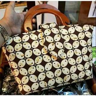 Om handbag batik