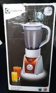 Electrolux 伊萊克斯 EBR2001/EBR-2001Cruzo 多功能冰沙果汁機