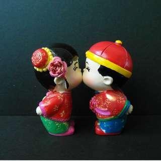 🆕Kissing Couple Figurine