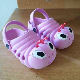 Size 26 caterpillar shoe