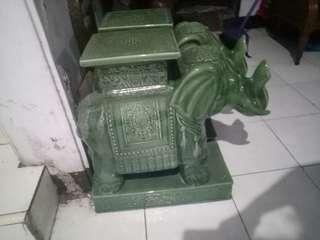 Patung gajah thailand hijau antik marmer