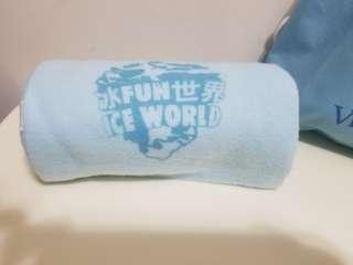冰Fun世界 Ice World 淺藍色 頸巾 [連布袋]