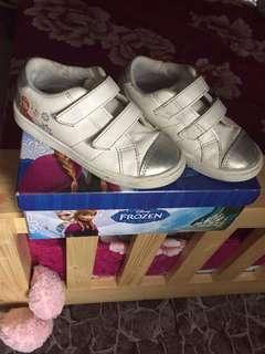 Disney Frozen White shoe